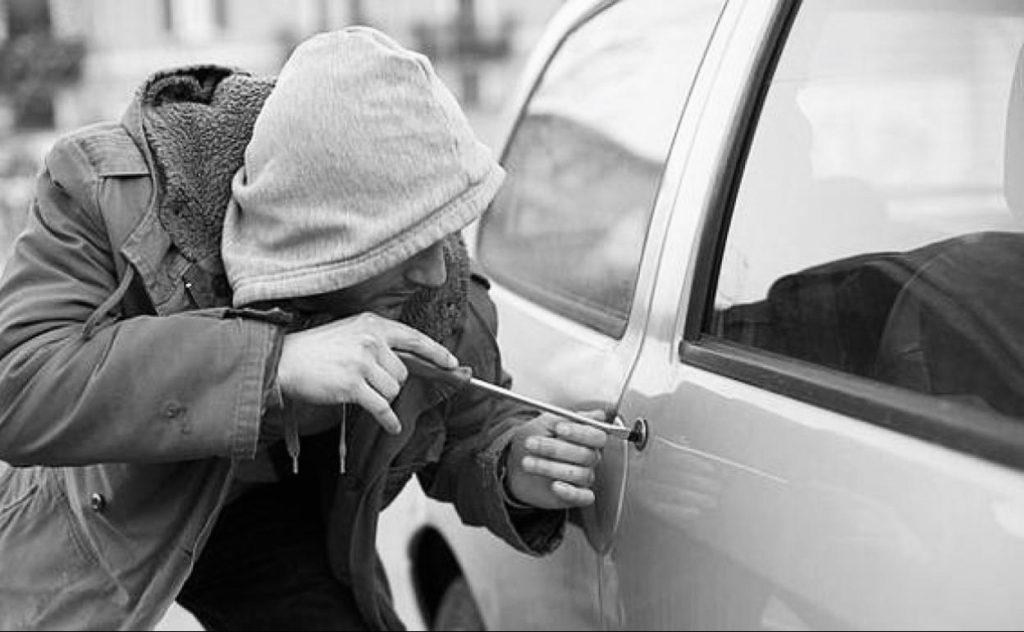 Soñar que te roban el coche